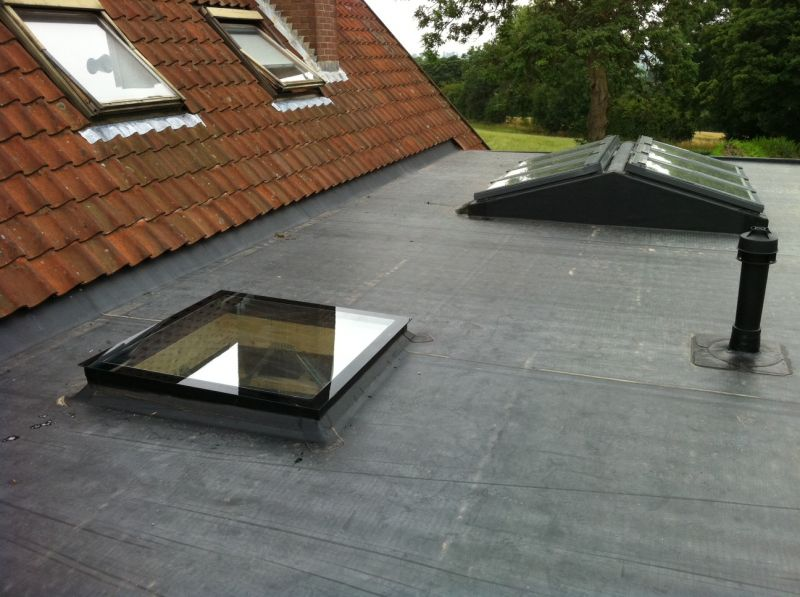 Flat roof repairs Surrey, local roofer Epsom.